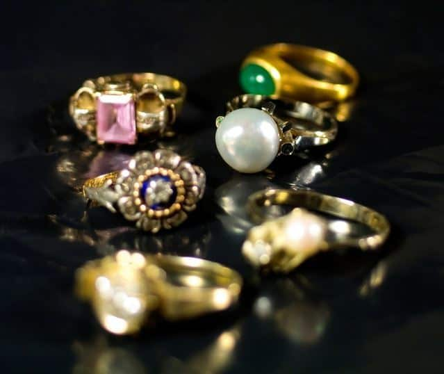 The Sell Jewelry Phoenix location is always Phoenix Pawn & Gold!